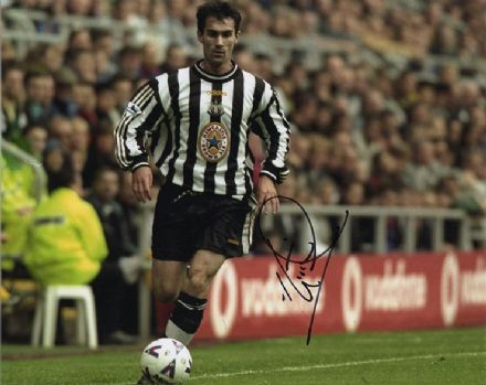 Keith Gillespie, Newcastle Utd & Northern Ireland, signed 10x8 inch photo.